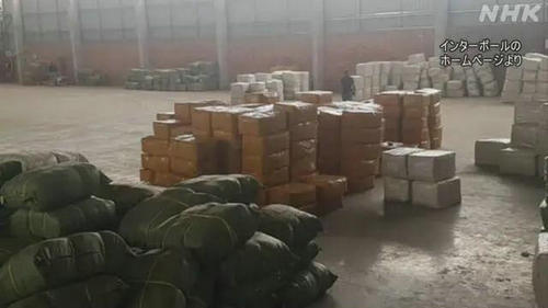 丧心病狂!南非和中国捣毁了用生理盐水矿泉水假冒新冠疫苗案件,80多人被抓...