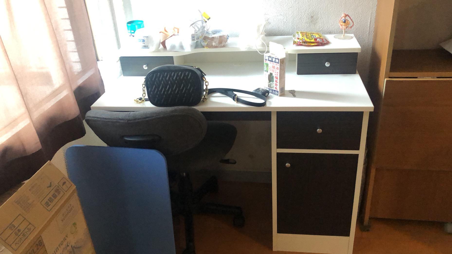 出售冰箱.洗衣机.微波炉.电脑桌.全身镜等..可包送