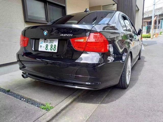 (出售)平成21年式 320i  2000cc